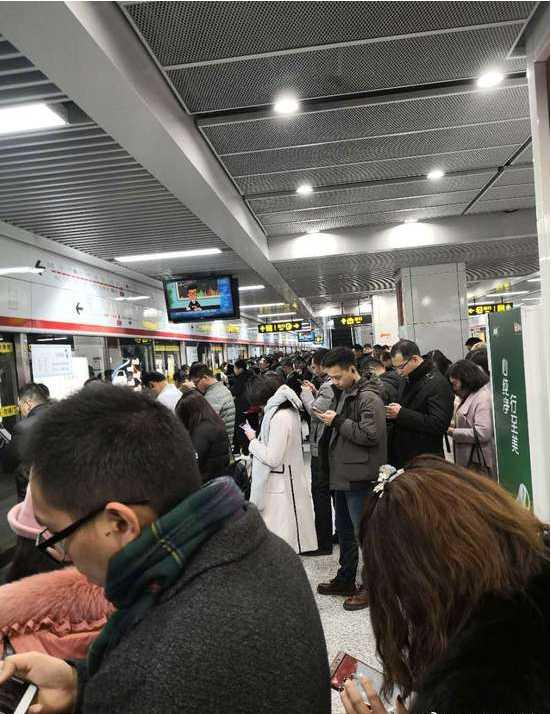 郑州地铁1号线今日设备故障 双向列车发生延误