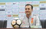 中国杯国足被泰国吊打 主教练卡纳瓦罗:短期改变国足我做不到