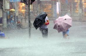 台风蓝色预警继续发布 津冀等地沿海将有6-7级风