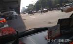 石家庄:一名环卫工人被私家车从桥上被撞到桥下