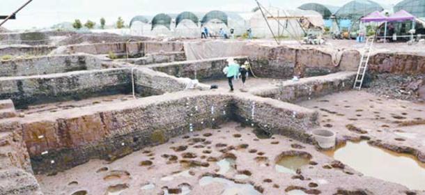云南发现2000多年前古滇国村落遗址