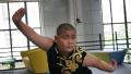 山东最拼小学生暑期9个培训班 妈妈望他成童星