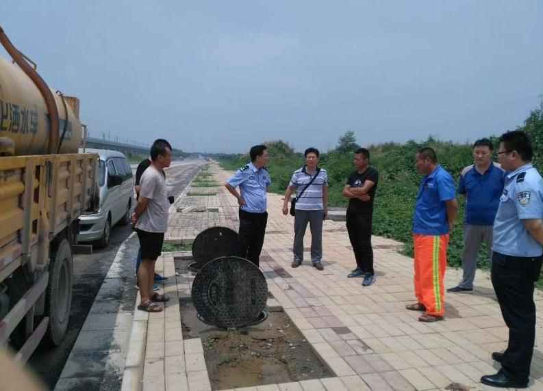 郑州/郑州一洒水车主盗取消火栓用水偷水者被拘留