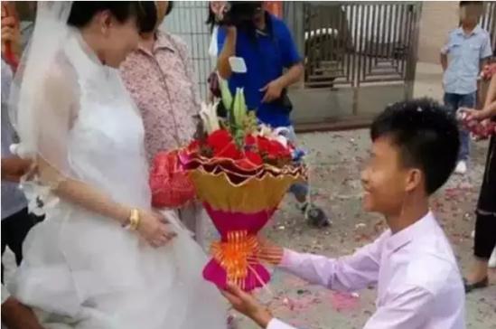 小夫妻办婚礼 新郎官只有13岁?官方说法来了
