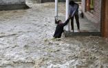 印度比哈尔邦洪灾致119人死亡 1000多万人受灾