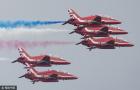 飞行队展示顶级特技
