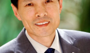 郑砚农:实施民族品牌工程,提升国家软实力