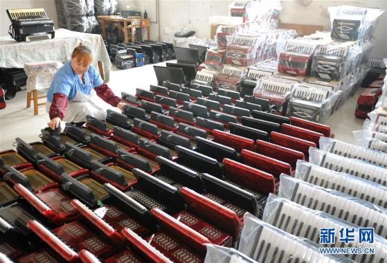 滄縣:巧手農民製作西洋樂器暢銷海外