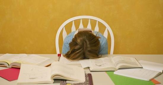 急速赛车必中规律:寒假提醒:家长陪写作业控制情绪 孩子请做自我防护