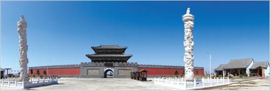图为蚕沙口景区复建的古城楼 记者 赵勇 摄