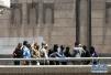也门总统府遭空袭 致至少6人死亡