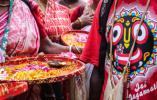 【组图】造型夸张形态各异!印度人民走上街头庆祝扎格纳特乘车节