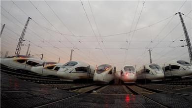 2019年春运开启 高铁动车整装待发