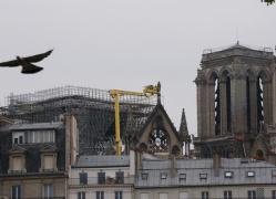 圣母院两座钟楼得救 得亏中国无人机!