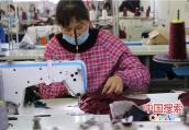 河南郏县:扶贫车间忙 脱贫有保障