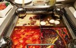 海底捞、西贝涨价引热议 媒体:餐饮自救靠涨价行不行?