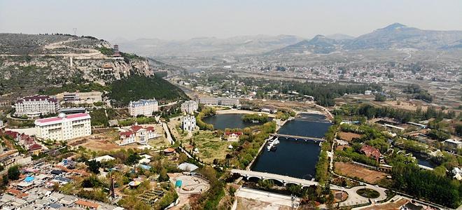 济南:卧虎春光绿意浓