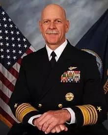 美国第七舰队司令斯科特·斯威夫特