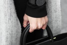 特別洋氣!誰説少女不能玩轉黑色系腕錶