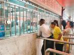 客运站售票捆绑保险引消费者不满:购买应自愿