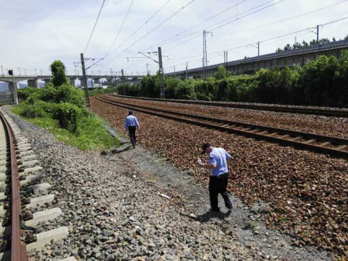 无人机坠落高铁沿线差点闯大祸 杭州市区基本都禁飞