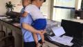 两岁半儿童烈日下走失,民警发朋友圈20分钟找到孩子母亲