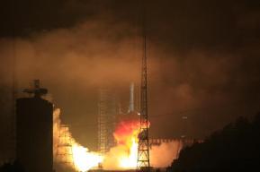 我国成功发射亚太6C通信卫星 用于电视广播等业务