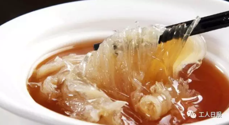 """北京赛车PK10技巧:领导在单位食堂聚餐点了份""""外卖"""",结果悲剧了!"""