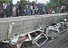印度在建天桥倒塌