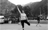南大女生因汶川地震失去右腿 装上假肢后乐观向上