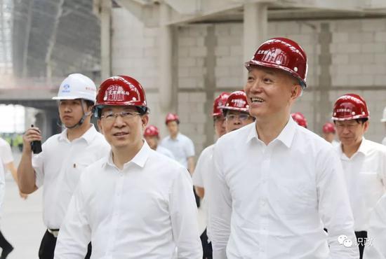 一同考察北京新机场建设现场