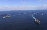 美国军舰穿越台湾海峡 岛内讽刺:为了躲避台风吧?