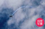 俄战机在波罗的海上空对美轰炸机进行伴飞