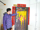 洛阳一业主家门被泼漆 事发楼栋监控损坏警方介入调查