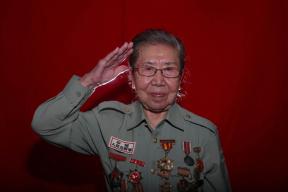 """志愿军老战士吴晓岚:她16岁就担当""""伤员保护神"""""""